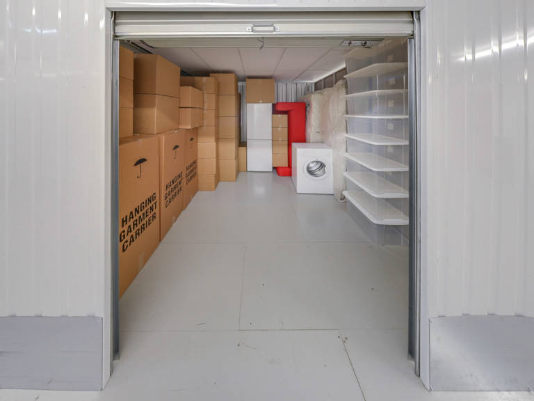 100 sq ft storage unit