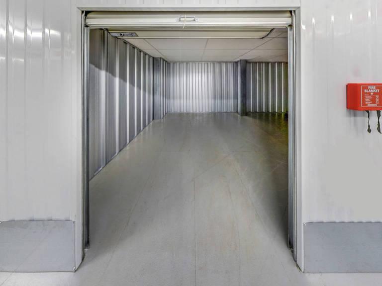 180 sq ft storage unit