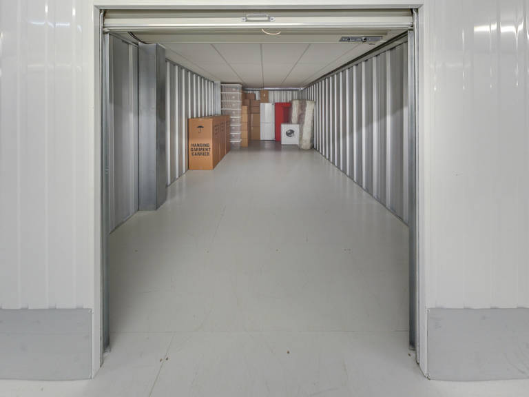 200 sq ft storage unit