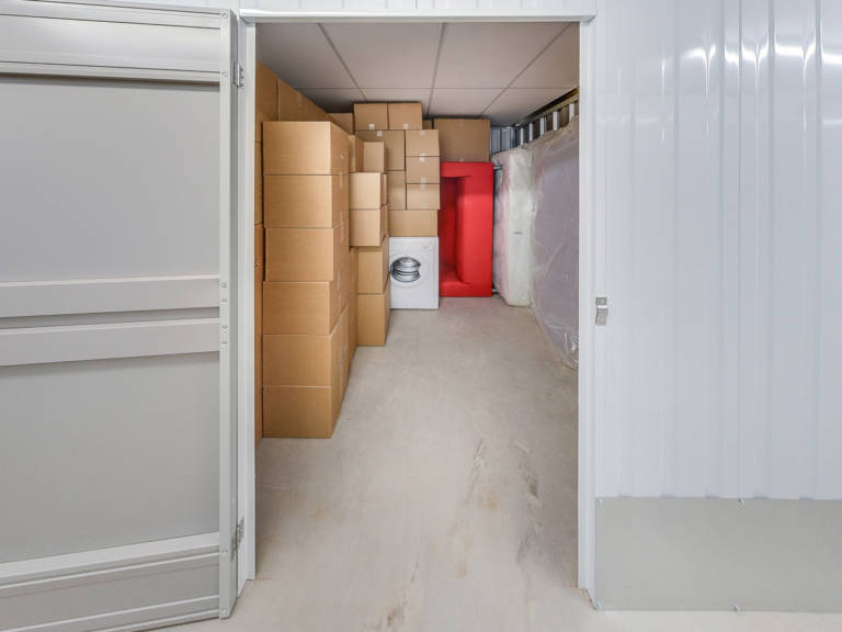 75 sq ft storage unit