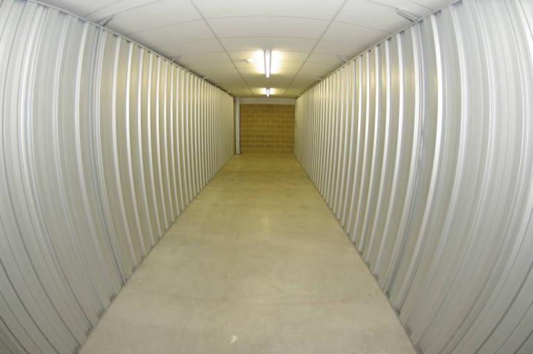 300 sq ft storage unit