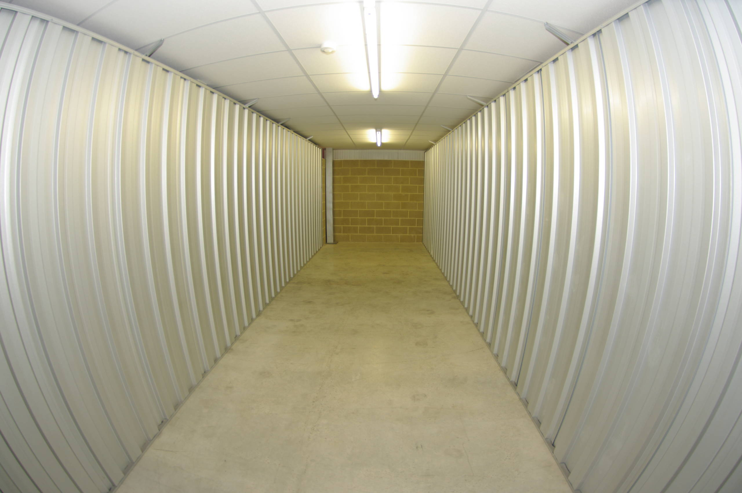 250 sq ft storage unit   Storagebase Banbury